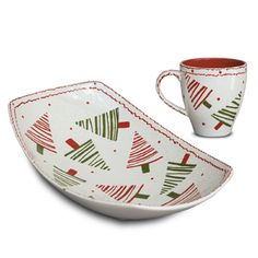 love the simplicity of these Zig Zag trees Christmas Dinnerware, Christmas Dishes, Christmas Crafts, Christmas Trees, Xmas, Sharpie Crafts, Sharpie Art, Painted Mugs, Painted Plates
