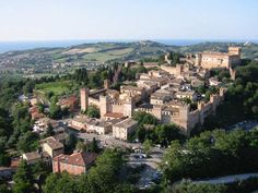 Gradara, Capitale del Medioevo -  La Rocca di Gradara e il suo Borgo Fortificato rappresentano una delle strutture medioevali meglio conservate delle Marche e d'Italia. Curiosità La tradizione vuole che la storia di Paolo e Francesca, i due amanti che Dante collocherà nel girone dei lussuriosi, abbia avuto come teatro il Castello di Gradara. Condannati alla dannazione eterna ma anche all'eterna commemorazione, i due personaggi sono il simbolo dell'amore puro ed incondizionato. http://bit.ly/Gradara_IT --------------------- Gradara, Capital of the Middle Ages -  The Rocca di Gradara and its Fortified Borgo (in the Marches Region) represent one of the best-preserved Italian Medieval structures. Curiosities Legend has it that Paolo and Francesca, the two lovers that Dante placed in his Second Circle of Hell, for lust, conducted their romance in the Castello di Gradara. Condemned to eternal damnation and eternal commemoration both, the two lovers are symbols for pure and unconditional love.  http://bit.ly/Gradara_EN Photo by Antonio Giustini #IlikeItaly #Italia #Italy #Gradara #Marche @marchetourism