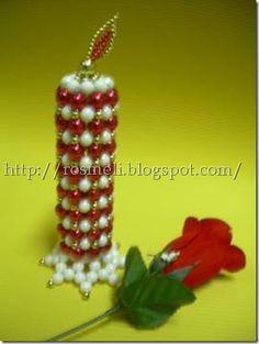 adornos navideños con abalorios Beaded Christmas Ornaments, Christmas Home, Christmas Crafts, Beaded Bags, Beaded Jewelry, Bead Crafts, Diy And Crafts, Bead Earrings, Beaded Flowers
