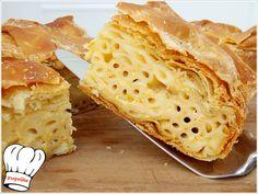 ΜΑΚΑΡΟΝΟΠΙΤΑ ΑΦΡΑΤΗ ΜΕ ΧΕΙΡΟΠΟΙΗΤΟ ΦΥΛΛΟ ΚΑΙ ΤΡΙΑ ΤΥΡΙΑ!!! Cookie Dough Pie, Pasta Recipes, Cooking Recipes, Sundae Bar, Pastry Art, Greek Recipes, Pie Dish, Yummy Food, Bread