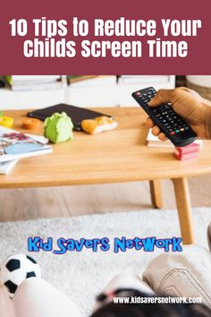 Do you find your child mostly on their phones, tablets or other elecetronic gadgets. Experts say there are dangers of too much screen time. We created 10 tips to help your children reduce their screen time. Screen Time For Kids, Time Kids, Kids Electronics, Anxiety In Children, Newborn Care, Health Advice, Kids Nutrition, Baby Feeding, Healthy Kids