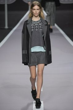 Viktor & Rolf Autumn/Winter '14, Ready-to-Wear ... #PFW #fashion #ViktorandRolf