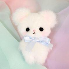 Kawaii plush stuffed toys - cuddly and furry friends ♡♡♡ Cute Stuffed Animals, Cute Animals, Cute Plush, Cute Teddy Bears, Cute Toys, Kawaii Cute, Plushies, Hello Kitty, Cute Babies