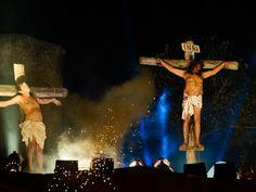 """Em comemoração à Semana Santa, a tradicional """"Paixão de Cristo"""" ganha três montagens na capital. As apresentações ocupam o Marco Zero, a 2ª Igreja Batista e o Parque da Macaxeira, entre 1º e 5 de abril"""