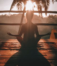 Meditation is time to myself where I can reflect on my thoughts, emotions, and actions. Meditation Benefits, Yoga Meditation, Ayurvedic Therapy, Online Yoga Classes, Self Awareness, Pranayama, Health And Fitness Tips, Best Self, Self Care