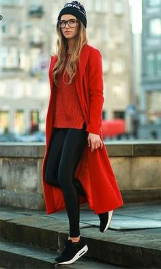 Sneakers street style winter fashion Ideas for 2019 Rote Pullover Outfit, Mode Outfits, Casual Outfits, Casual Shoes, Office Outfits, Fashionable Outfits, Casual Jeans, Grunge Outfits, Dress Casual