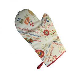 """Luva para forno com o bordado português """"lenço dos namorados"""". Retirado de: http://www.portuguesegift.com/products/Traditional-Portuguese-Valentine-Handkerchief-Ovenmitt.html"""