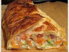 Vegetable strudel by Traudl Dinner Recipes, Dessert Recipes, Wing Recipes, Easy Recipes, Food Blogs, Convenience Food, Different Recipes, Crockpot Recipes, Main Dishes