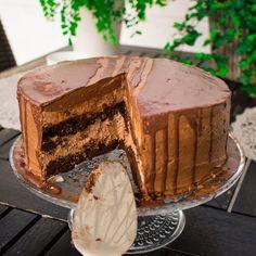 VHH suklaakakku - Kutsu vapauteen Tiramisu, Pie, Baking, Ethnic Recipes, Desserts, Accordion Book, Cakes, Torte, Tailgate Desserts