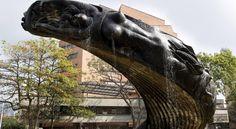 Rodrigo arenas betancourt. Lion Sculpture, Statue, Image, May 12, Monuments, Life, Art, Sculptures, Sculpture