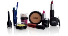 Se a mamãe for super vaidosa a dica de presente é a linda  de maquiagem com produtos incríveis