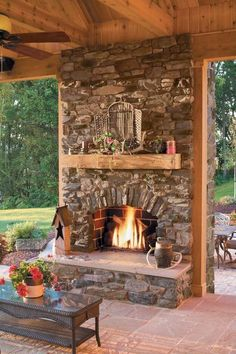 Fireplace is a good addition, both for indoor and outdoor. Want to make an outdoor fireplace? Here, we listed outdoor fireplace ideas that you can try Outside Fireplace, Backyard Fireplace, Backyard Patio, Porch Fireplace, Flagstone Patio, Fireplace Hearth, Backyard Retreat, Build Outdoor Fireplace, Stone Veneer Fireplace