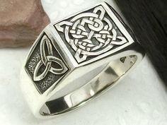 Mens seal ring Celtic knot triangle silver celtic ring | Relojes y joyas, Joyería para hombre, Anillos | eBay!
