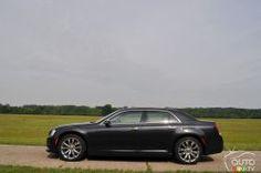 2016 Chrysler 300 C side view