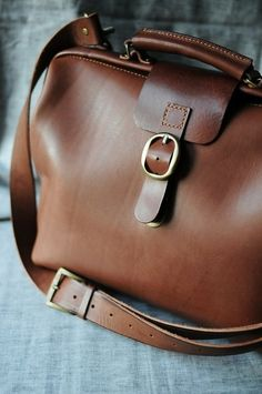 Love this bag. via Habitually Chic®: Autumn Inspiration