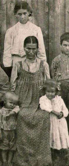 Family of J. A. Morrow from Forsyth, Missouri - Cherokee - circa 1913