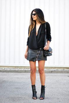 Fashion Landscape - All Black + Zippered Mini