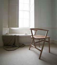 Charles Dedman's Turner Carver Chair launching July 2016. Make in solid oak with steambent armrests and turned spindles. A modern windsor chair with contemporary furniture