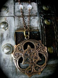 https://www.facebook.com/Ancient.Celts/photos/a.584600361603221.1073741838.445582568838335/935798056483448/?type=1