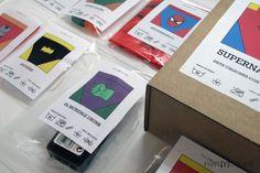 Packaging del KIT&FUN Supermacho dePARTYCOLARE. Diseño propio que recuerda a los superhéroes de la infancia. Kits de supervivencia para despedidas de soltero. #bodas  #despedidadesoltero #despedida #kit #kitdesupervivencia #bachelorette #packaging