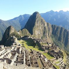 Stamp #619 - Peru : What you need to know before going to Machu Picchu!  The traditional route to reach this magnificent citadel is the Inca Trail but this sells out around 6 months in advance.  Don't worry though there are plenty of other options to get there. Whichever one you choose though make sure to get there early so you can catch the sunrise - the 4am start is totally worth it!! Climb up to the house of the guardians for 'that' shot.  Thank you @talesofabackpacker for leaving your…