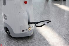10/31/2016 - China's Airport Security Robot Can Deliver Electroshocks