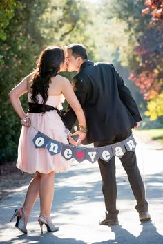 First Year Wedding Anniversary Photos » KnotsVilla