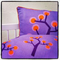 Girls purple junior and baby bedding.  Size: Junior 100x140 - 45x40 Size: Baby     70x100 - 45x40