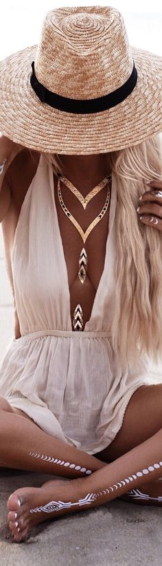 Fashion & Beauty 40 Amazing Boho Fashion Inspirations That Are Simple Unique Fashion, Boho Fashion, Fashion Beauty, Womens Fashion, Trendy Fashion, Mode Hippie, Bohemian Mode, Bohemian Style, Bohemian Summer