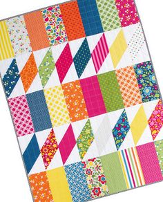 Red Pepper Quilts: The Fat Quarter Shop ~ Jolly Bar Blog Hop - Twist and Shout pattern