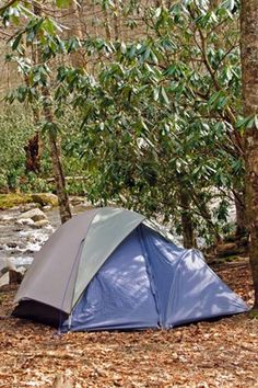 Complete guide on free and paid camping. On the border of North Carolina and Tennessee this detailed list will help you choose the best campground or cabin. If it's traveling with kids or looking for some glamping Airbnb options, you can find in here. With tons of things to do, the Great Smoky Mountains has some of the most popular hiking and photography destinations. Camping In The Great Smoky Mountains National Park. Private Campgrounds, Best Campgrounds, Smoky Mountain National Park, National Forest, Great Smoky Mountains Camping, Tent Camping, Glamping, Elkmont Campground, Horse Camp