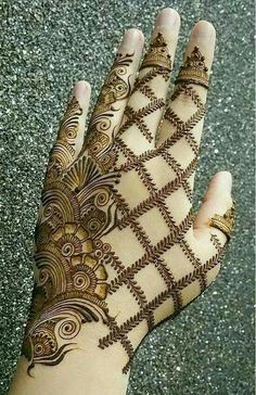 Beautiful Mehndi Design - Browse thousand of beautiful mehndi desings for your hands and feet. Here you will be find best mehndi design for every place and occastion. Quickly save your favorite Mehendi design images and pictures on the HappyShappy app. Easy Mehndi Designs, Henna Hand Designs, Dulhan Mehndi Designs, Latest Mehndi Designs, Bridal Mehndi Designs, Mehendi, Mehndi Designs Finger, Mehndi Designs For Girls, Mehndi Designs For Beginners