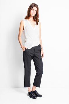 Pantalon droit Zadig et Voltaire, bandes latérales, poches italiennes, coutures rose fluo fantaisie à l'intérieur, doublure 50% viscose, 50% acétate, 53% polyester,…