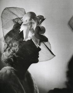 liquidnight:Manassé  Atelier WOG  Fashion photograph, circa 1940  From Divas and Lovers: The Erotic Art of Studio Manassé