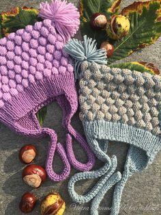 Garnforslag: Merino Extra Fine fra Drops eller Sandnes Merino Størrelser:0-3 (6) 12 mnd. (2-3) 4-6 år Strikkefasthet: 22 masker glattstrikk på pinne nr. 3.5 = 10 cm Garnmengde: Bunnfarger 50 (50) 5… Baby Knitting, Knitting Ideas, Merino Wool Blanket, Burlap Wreath, Diy And Crafts, Knit Crochet, Winter Hats, Barn, Free