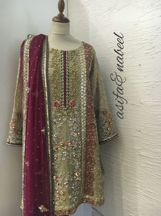 Walima Dress, Pakistani Formal Dresses, Pakistani Party Wear, Pakistani Wedding Outfits, Pakistani Dress Design, Bridal Outfits, Indian Dresses, Bridal Dresses, Pakistani Clothing
