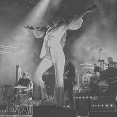 Goddess Florence Welsh, Florence The Machines, Just She, Types Of Music, Sad Girl, Music Stuff, Black And White, Musicians, Bands