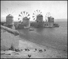 https://flic.kr/p/23ftYRH | Ανεμόμυλοι στα Ταμπάκικα της Χίου. Φωτογραφία: Antoine Bon από το βιβλίο Retour en Grèce, 1938.