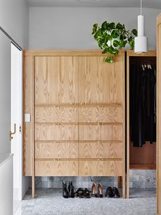 Wardrobe Joinery | Rosalie House by Owen Architecture