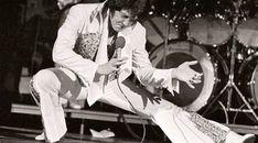 La vida de #ElvisPresley El eterno Rey del Rock n' Roll 🕺🏼🎙👑🎸 en la categoría Musical de Magazine Digital - ¡Compártelo! ¡No te lo pierdas! http://ow.ly/MaGV30hZ7dP