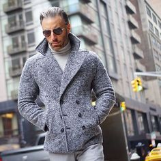 in a sharp peacoat Stylish Men, Men Casual, Outfits Hombre, Men's Wardrobe, Mens Fashion, Fashion Outfits, Gentleman Style, Mens Clothing Styles, Wedding Suits
