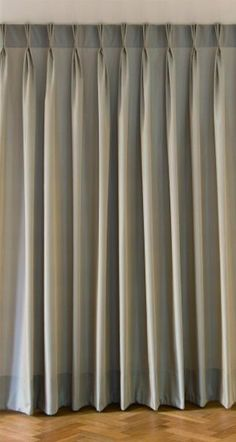 The pinch pleat is a special variation of the triple pleat; it is supported by incorporating a little rod and it thus produces a very e… Lounge Curtains, Curtains And Draperies, Elegant Curtains, Pleated Curtains, Home Curtains, Beautiful Curtains, Grey Curtains, Curtains Living, Modern Curtains