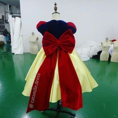 Snow white dress princess dress girls dress size 12 mon ready to cute snow white flower girl dress 2018 princess kids pageant ball gowns with bow lovely short mightylinksfo