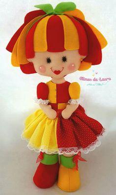 Emília Felt Crafts, Diy And Crafts, Arts And Crafts, Dolls And Daydreams, Panda Art, String Art Patterns, Felt Toys, Felt Art, Diy Doll
