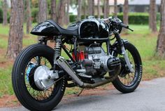 BMW R90-6 Cafe Racer - Right Rear