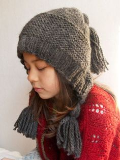 … the hat and the girl ❤ This hat was so much fun! The tassels are not only cute they also add weight to the hat and helps it to stay on her head. Pattern: Capucine by Adela Illichmanova – do…
