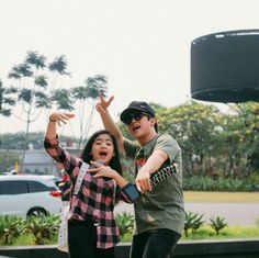 Ranz and niana Ranz Kyle, Siblings Goals, Tumblr Drawings, Youtube Stars, Filipina, Toyota, Poses, My Favorite Things, Couple Photos