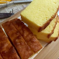 This is an improved version of the Almost Sara Lee Pound Cake recipe I shared two days ago. Although the cake has a good texture, it ha...