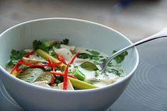 Tom Kha Gai - die berühmte Hühnersuppe mit Kokosmilch und Galgant (Rezept mit Bild) | Chefkoch.de