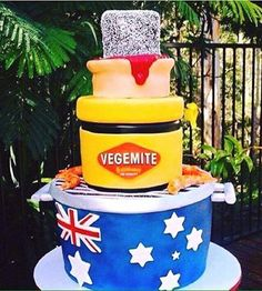 How do you make a cake that's more Australian than a lamington? Make a cake that's a lamington, a jar of Vegemite, a meat pie, the Aussie flag, and prawns Australian Memes, Aussie Memes, Australian Food, Australia Cake, Australia Funny, Happy Australia Day, Iconic Australia, Perth Australia, Western Australia